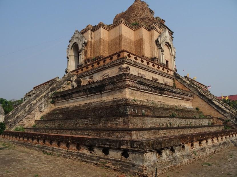 piramis-templom